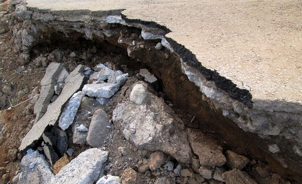 地盤沈下の原因と調査